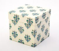"Подарочная коробка ""Lilies. Florentine Style"" (11,5х18х2,8 см; синие элементы)"