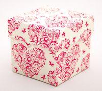 "Подарочная коробка ""Hearts and Butterflies"" (7,5x7,5x7,5 см; розовые элементы)"