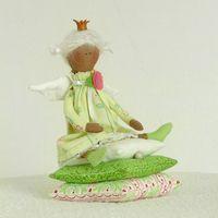 """Кукла ручной работы """"Принцесса на горошине"""" (зеленая)"""