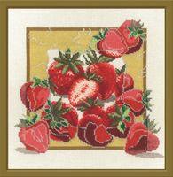 """Набор для вышивания """"Дары садов. Клубника"""" (280x280 мм)"""