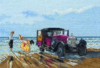 """Вышивка крестом """"Винтажный Rolls-Royce на пляже"""""""