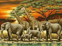 """Канва с нанесенным рисунком """"Жирафы и слоны"""""""