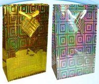 """Пакет бумажный подарочный """"Голография"""" (в ассортименте; 16х18х8 см; арт. МС-1436)"""