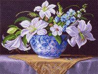 """Канва с нанесенным рисунком """"Белые лилии"""""""
