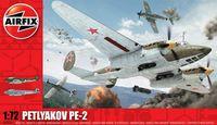"""Бомбардировщик """"Petlyakov Pe-2"""" (масштаб: 1/72)"""
