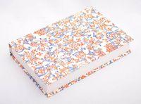 """Подарочная коробка """"Lilies"""" (18х23,5х3,5 см; красно-синие элементы)"""