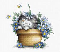 """Вышивка крестом """"Котенок в цветах"""" (160х155 мм)"""